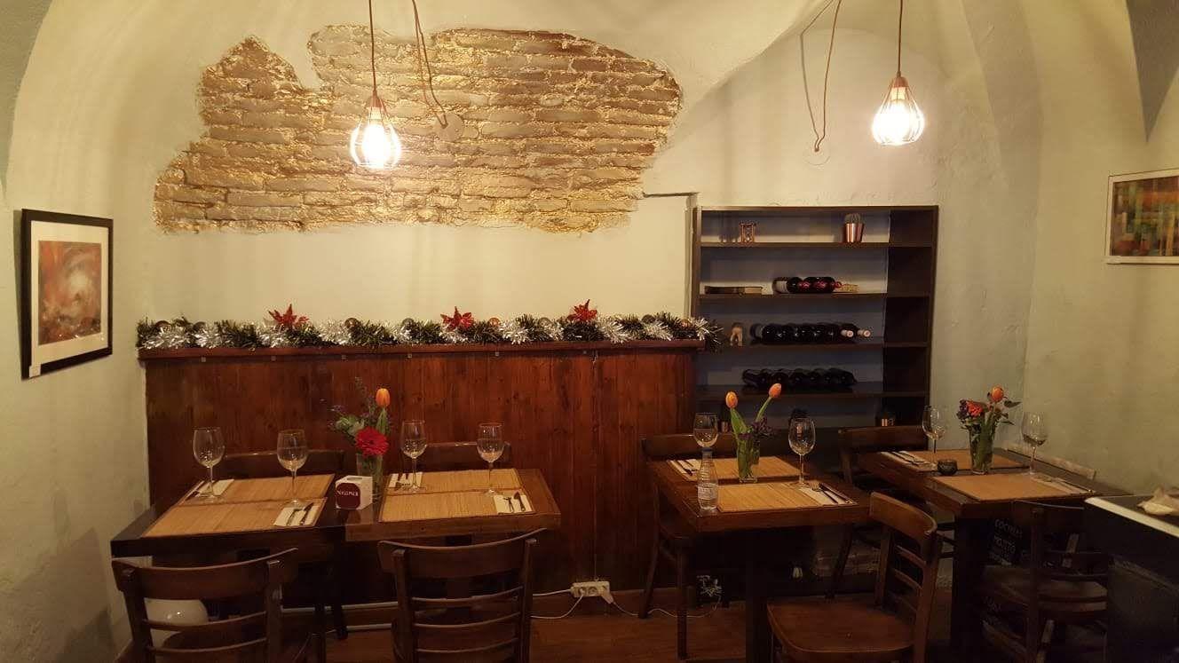 Latina – Se traspasa Mesón/Restaurante de 75 m2