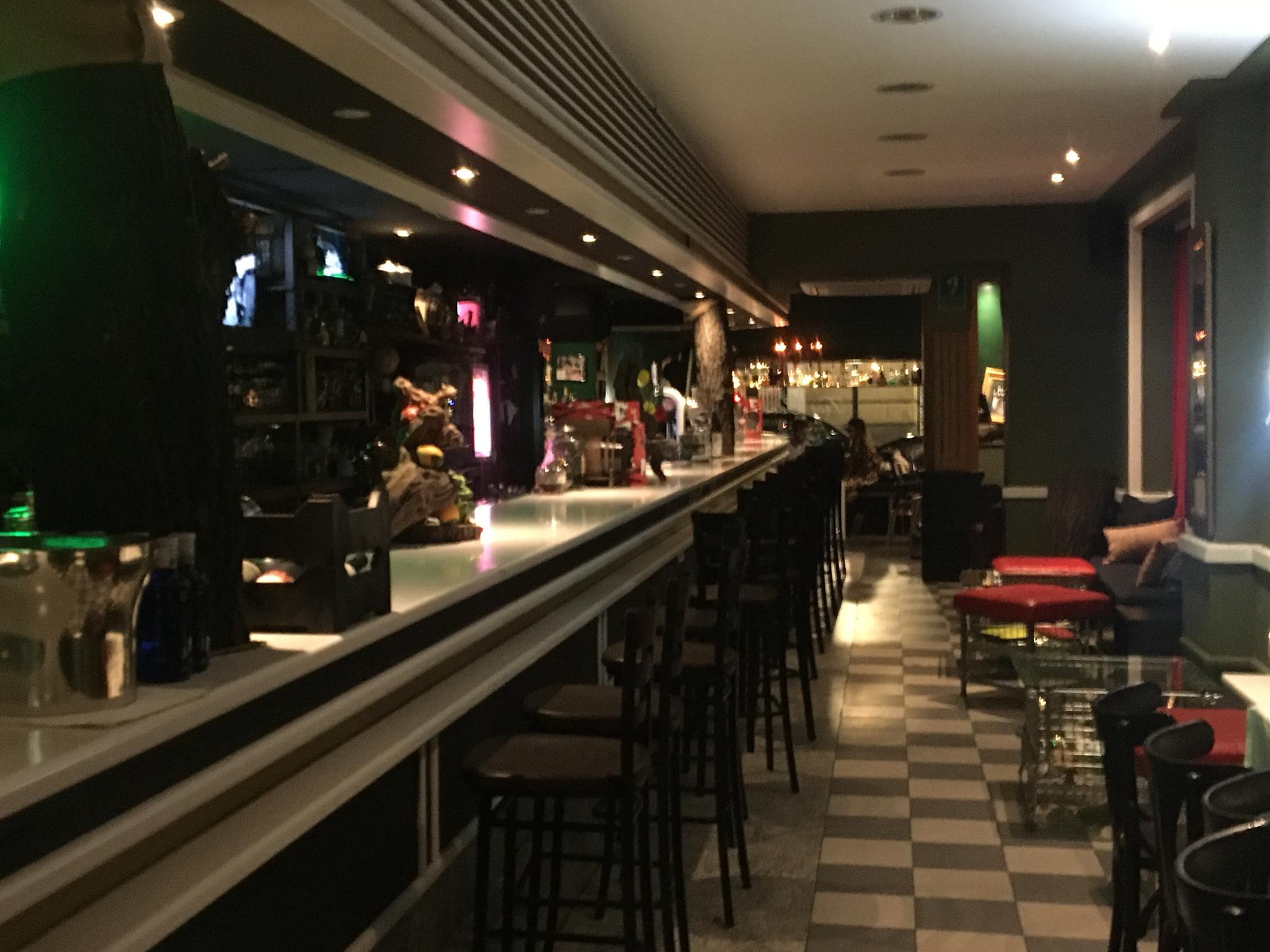 (Español) Moncloa – Se traspasa Bar/Restaurante de 240 m2