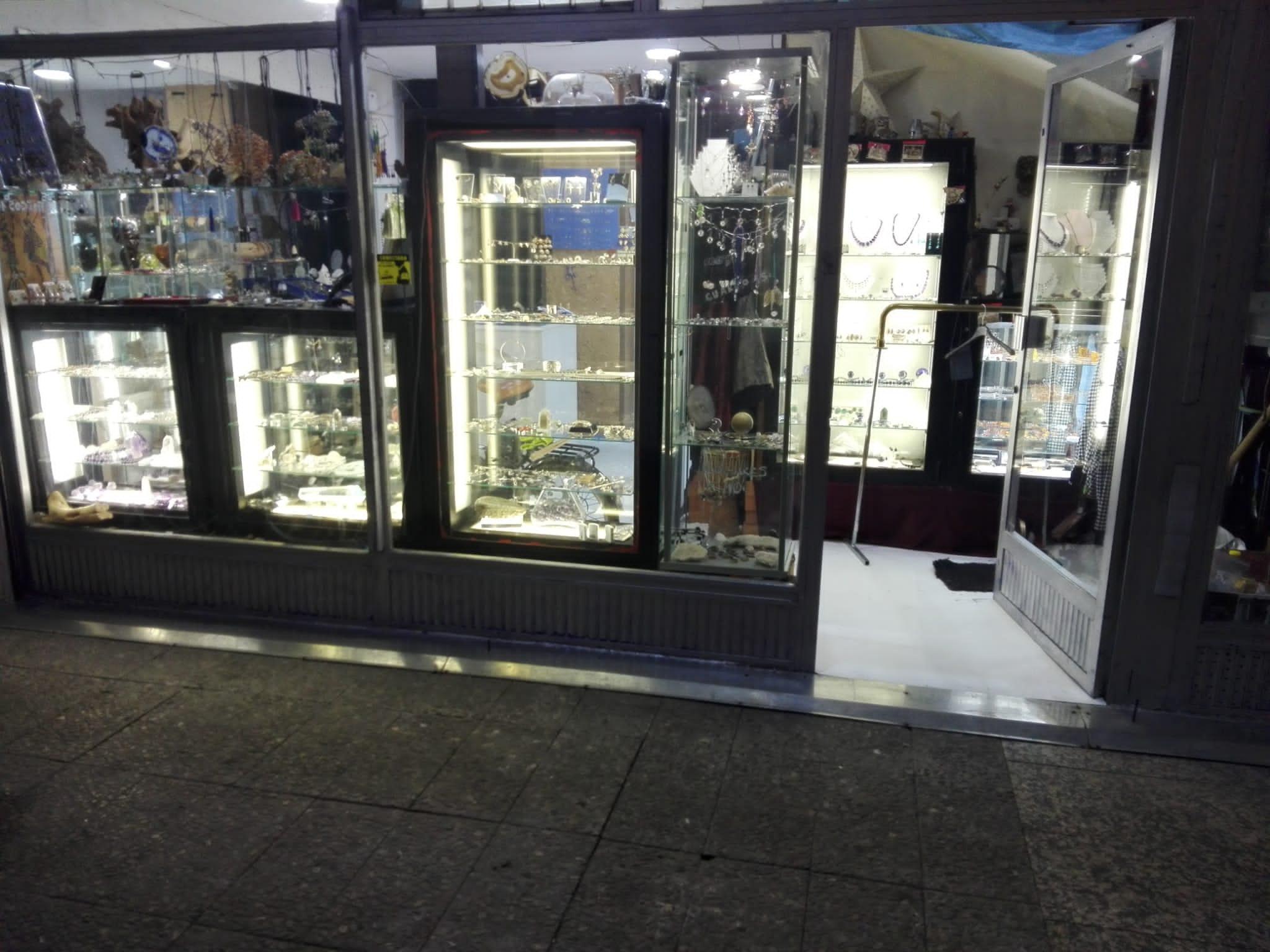 (Español) Orense – Se traspasa local comercial de 50 m2