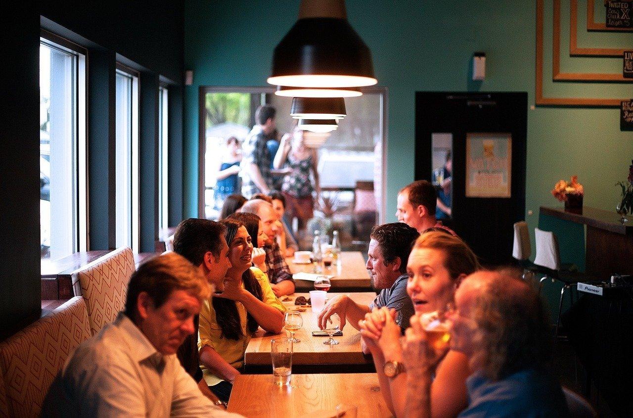 Zona Las Cortes – Se traspasa bar-restaurante 220m2